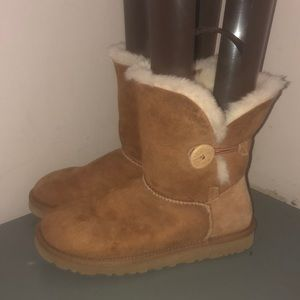Ugg Bailey button boot 5803 chestnut brown sz 7